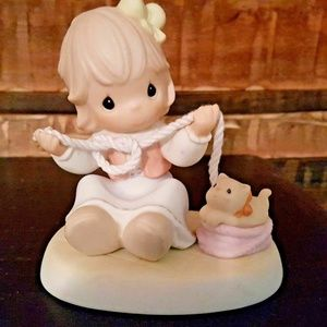 """Precious Moments Figurine """"Believe It Or Knot I Lo"""